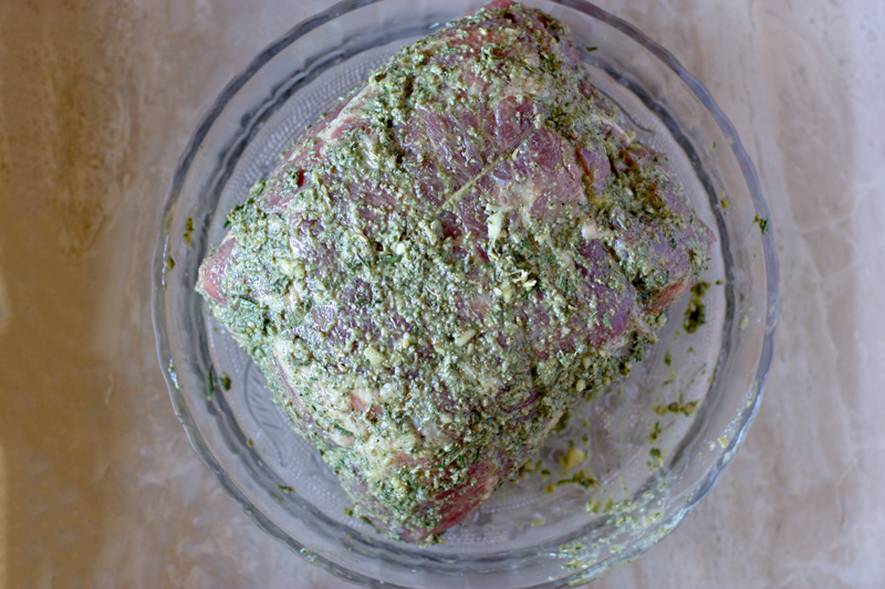 Roast covered with the herb paste