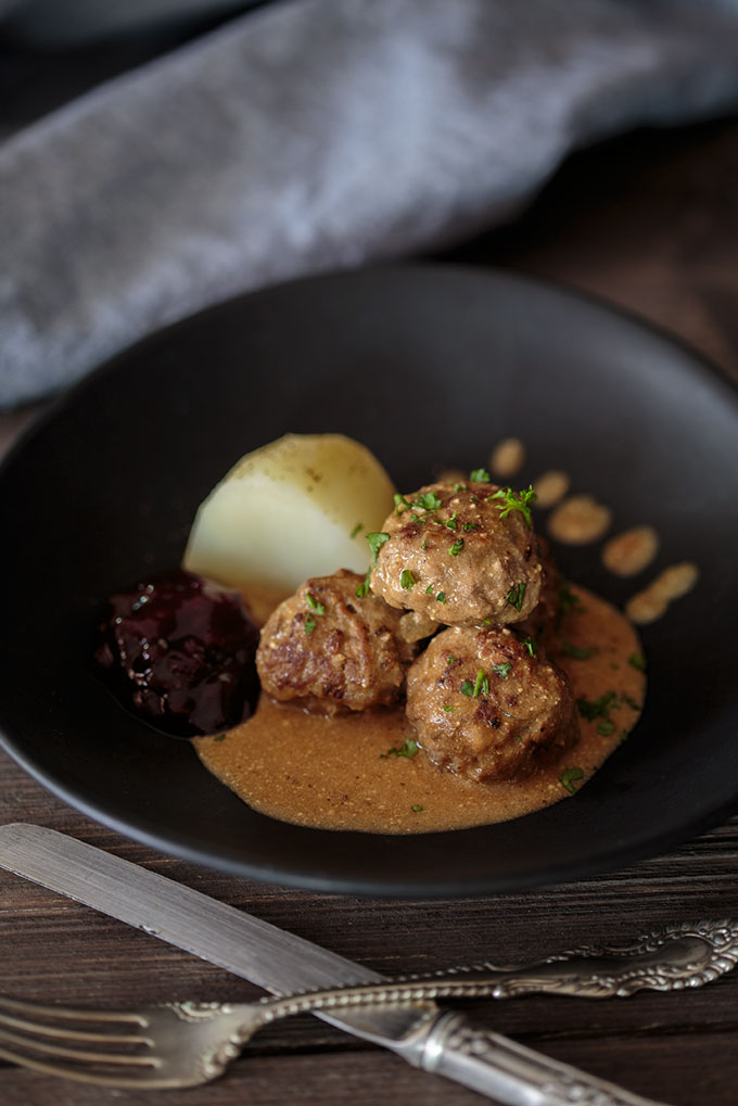 Swedish meatball featured image on a plate