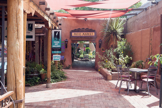 Courtyard marketplace in Old Town Albuquerque