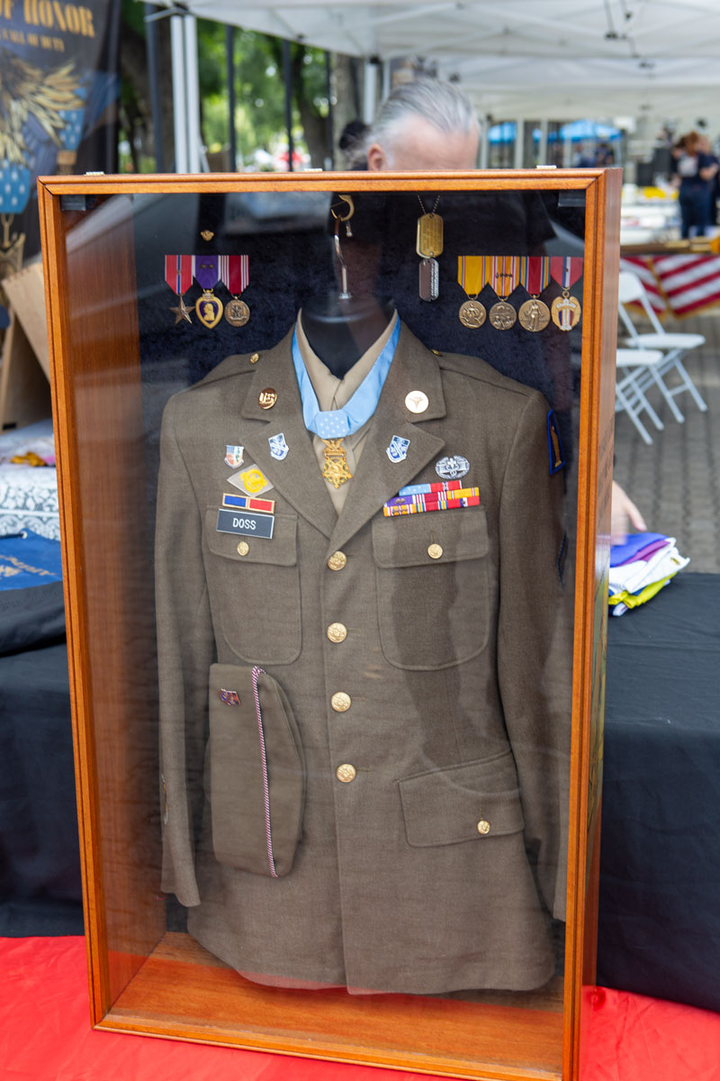 Desmond Doss Uniform
