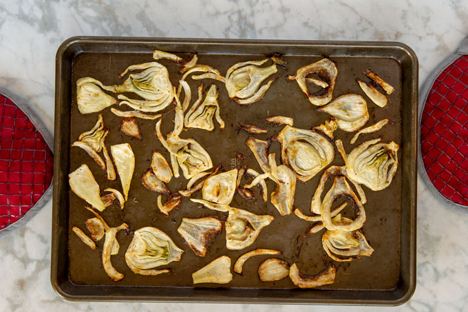 Roasted fennel in the baking sheet